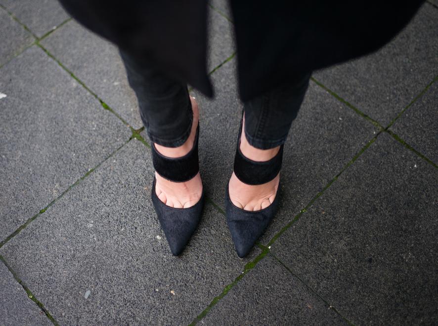 lisa-rvd-ponyhair-heels-ueterque
