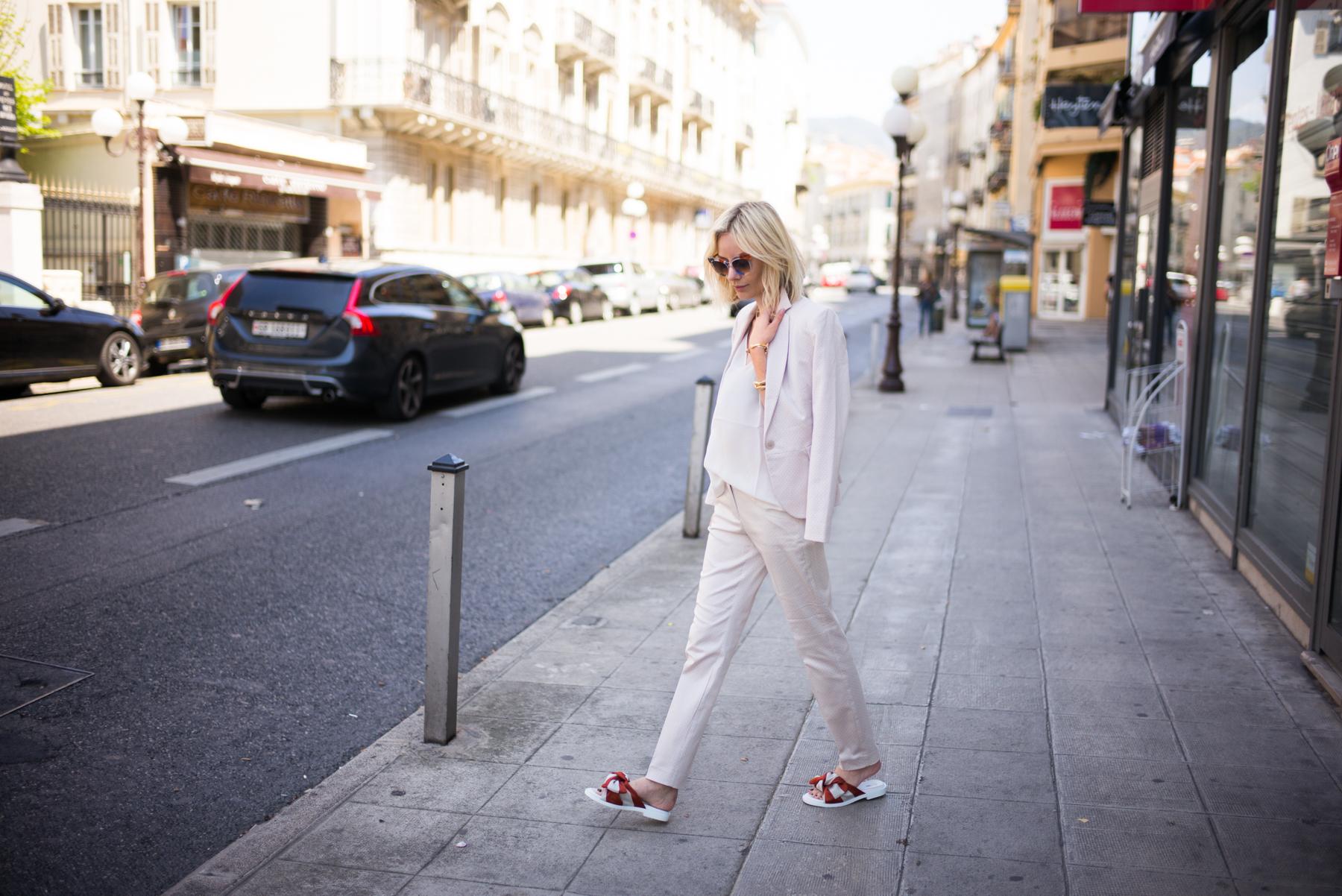 lisa-rvd-comma-suit_2