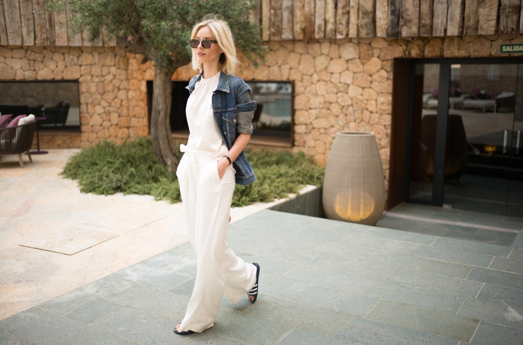 lisa-rvd-comma-white_pants_2
