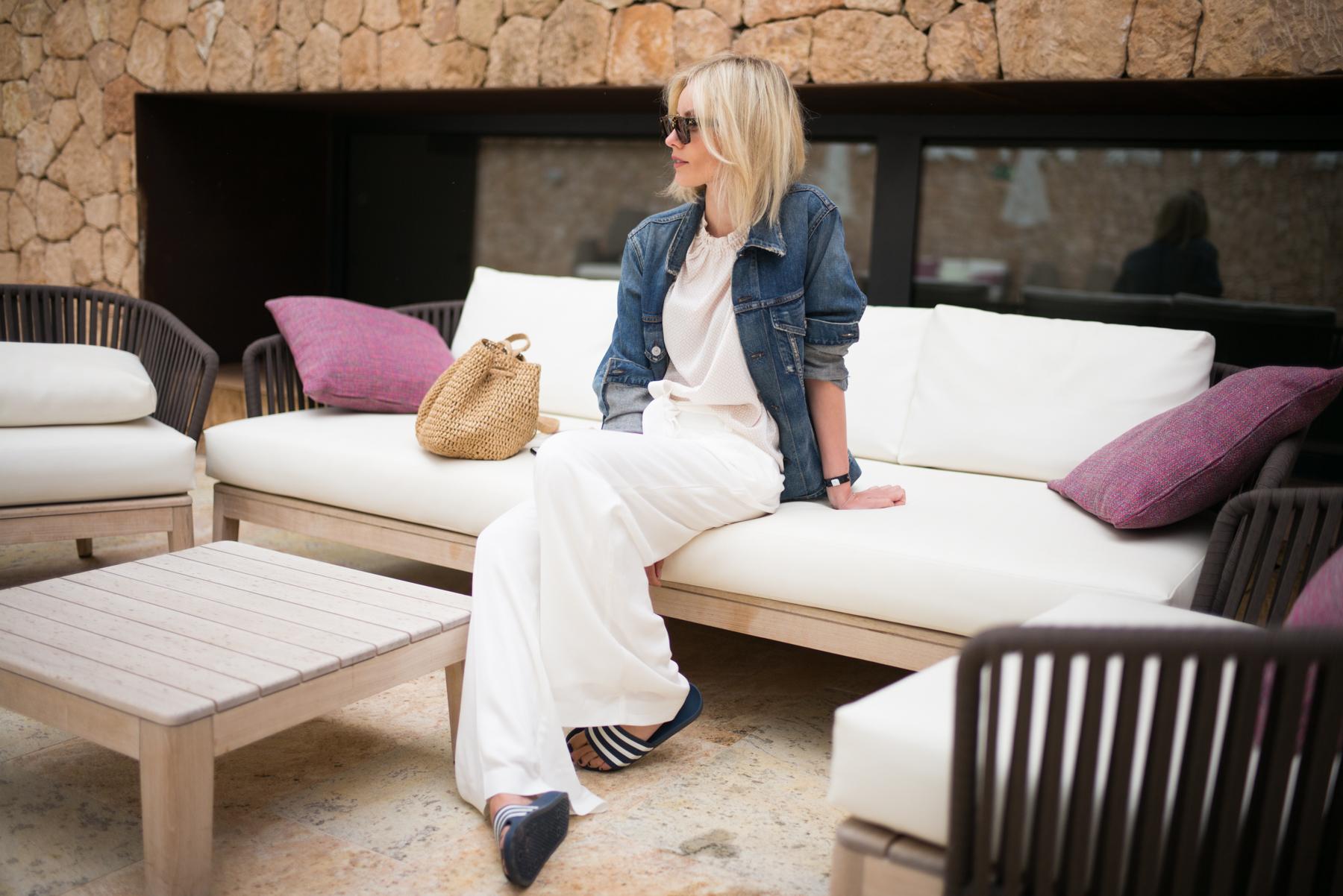 lisa-rvd-comma-white_pants_3