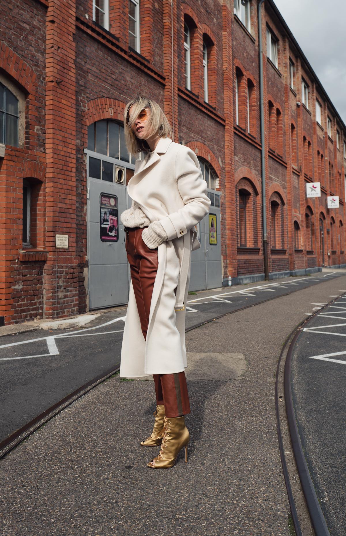 Joseph leather pant perfection Winter Fashion Blogger Lisa Hahnbück