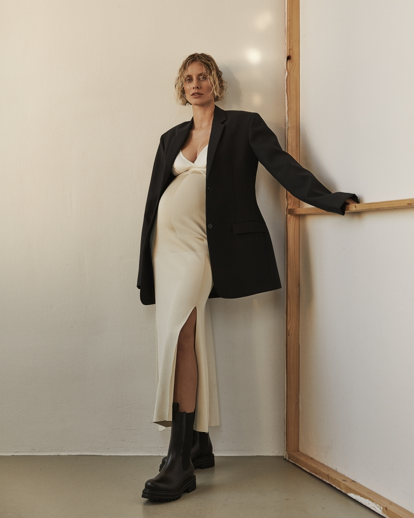 Pregnancy-Outing: Lisa Hahnbueck's Pregnancy Outing Slip Dress and Blazer